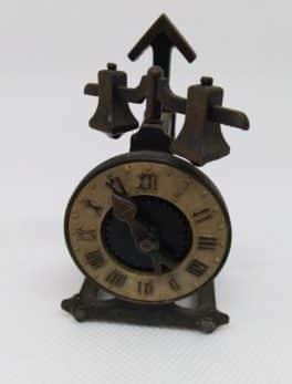 Taille crayon ancien - Play Me - L'horloge - N°963