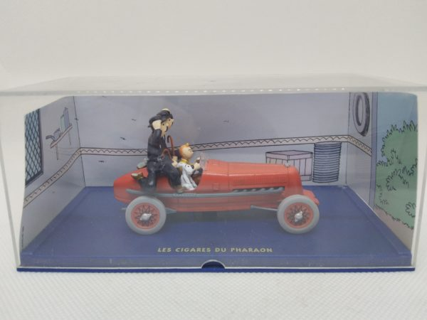 """Voiture miniature TINTIN """"Les cigares du pharaon/voiture rouge""""- 1/43 ème"""