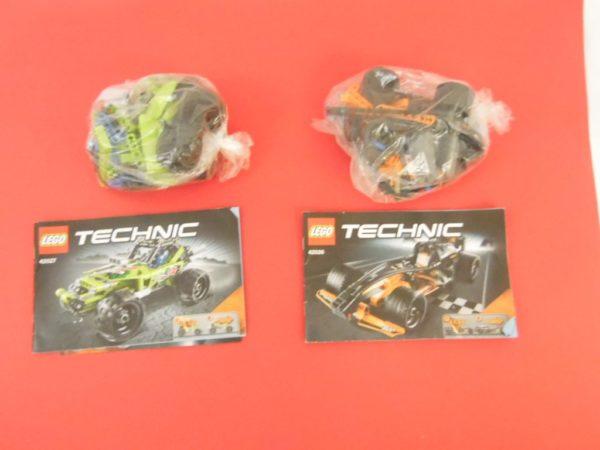 LEGO technic - 42026 (Le Bolide)+ 42027 (Le Buggy du désert)