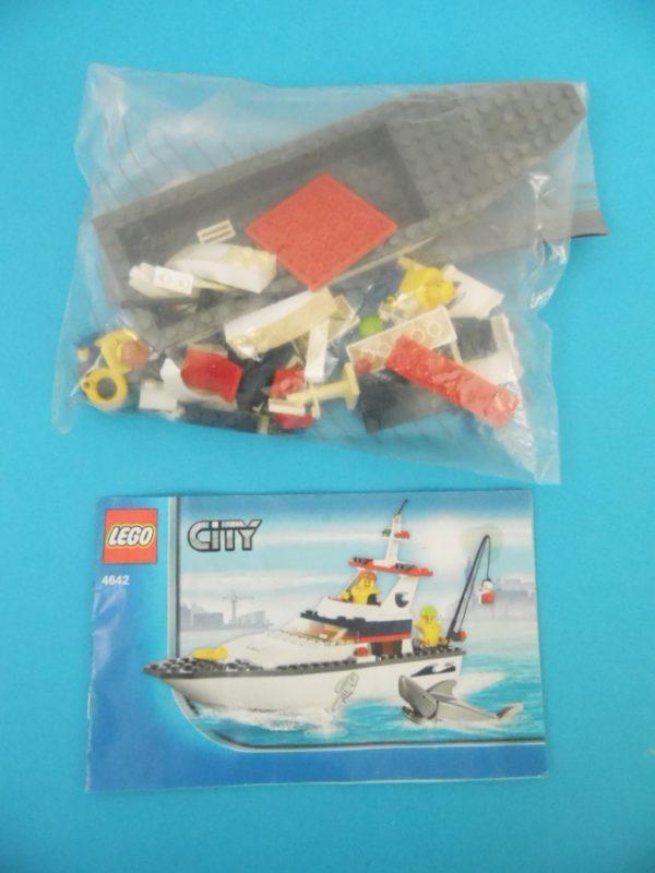 LEGO CITY - 4642 - Le bateau de pêche