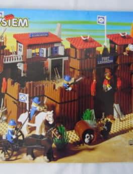 LEGO System N°6769 - le fort Legoredo
