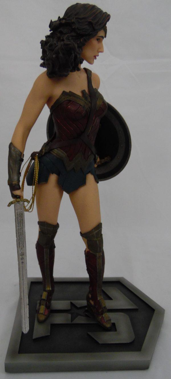 Figurine Wonder Woman - Edition Numéroté Limitée - DC collectibles - 33 cm