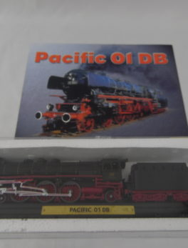 Maquette Train miniature - Pacific 01 DB