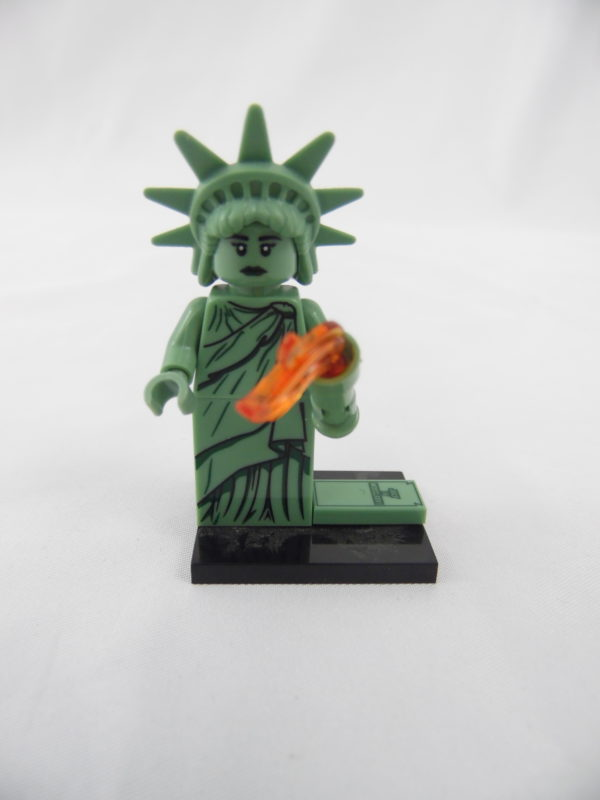 Mini figurine Lego N° 8827 - Série 06 - N° 04 - La statue de la Liberté
