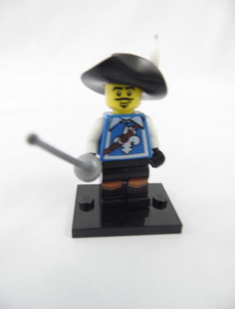 Mini figurine Lego N° 8804 - Série 4 - N°03 - Le Mousquetaire