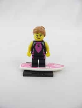 Mini figurine Lego N° 8804 - Série 4 - N°05 - La Surfeuse