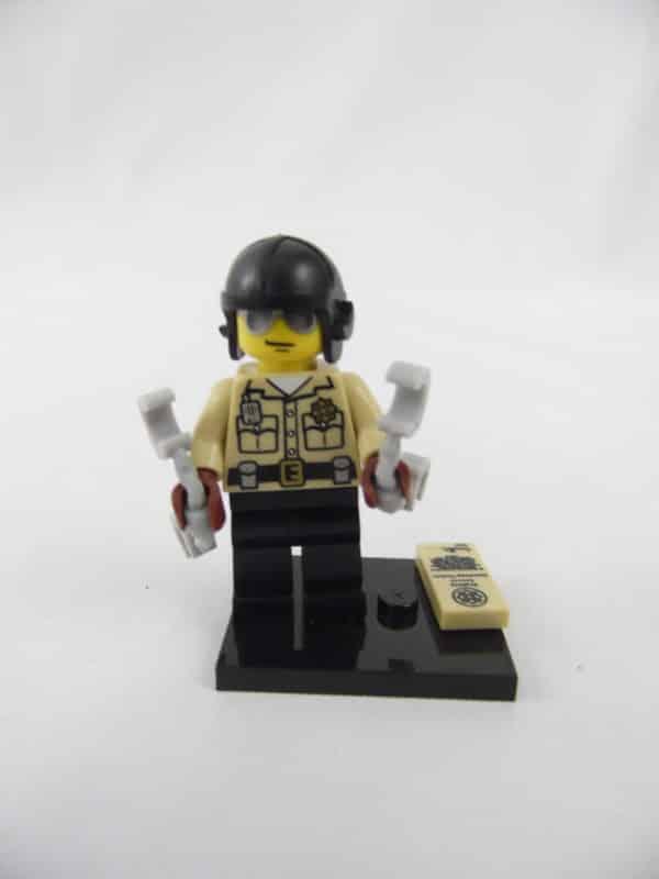 Mini figurine Lego N° 8684 - Série 2 - N°06 - Le policier