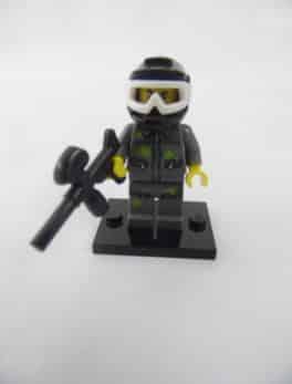 Mini figurine Lego N° 71001 - Série 10 - N°09 - Le Jouer de Paintball