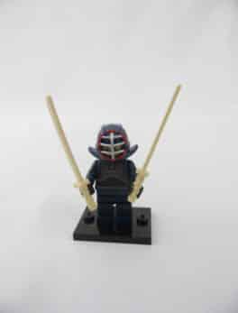 Mini figurine Lego N° 71011 - Série 15 - N°12 - Le Kendoka