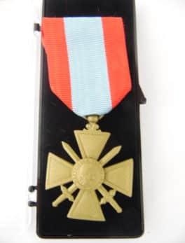 Médaille Ordonnance - Croix de Guerre TOE - Théâtre d'opération Extérieur