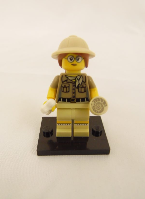 Mini figurine Lego N° 71008 - Série 13 - N°06 - La Paléontologue
