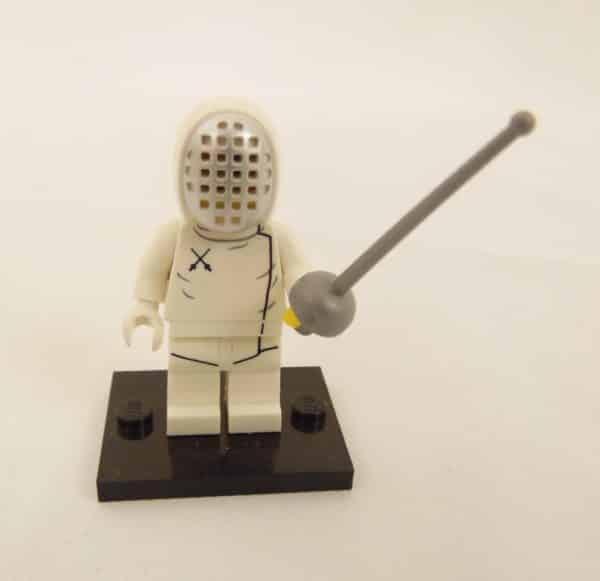 Mini figurine Lego N° 71008 - Série 13 - N°11 - L'escrimeur