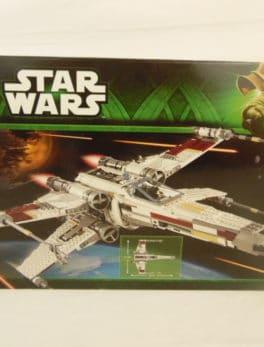LEGO N° 10240 - Star wars - X-Wing Starfighter