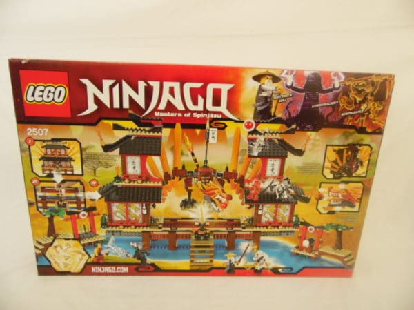 LEGO N° 2507 - Ninjago - Temple du feu