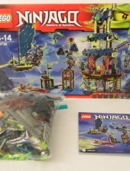 LEGO Ninjago - N° 70732 - Ville de Stiix