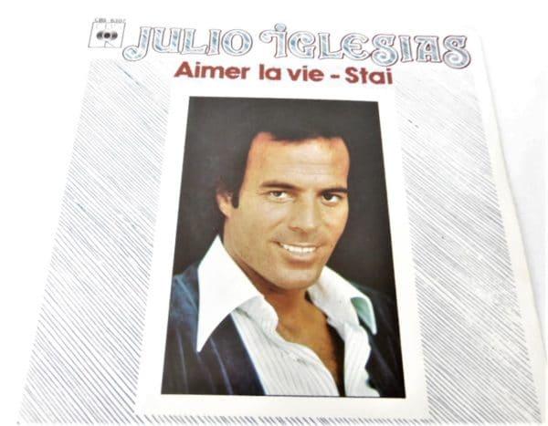 Disque vinyle - 45 T - Julio Iglesias - Aimer la vie / Stai