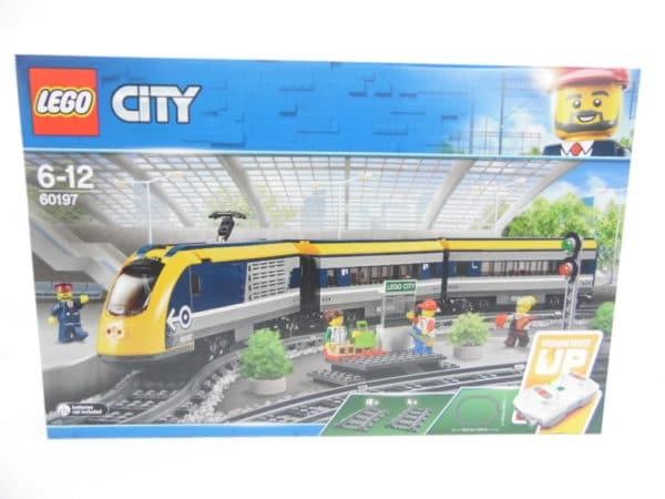 LEGO City - N° 60197 - Le train de passagers télécommandé