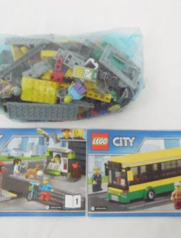 LEGO City - N° 60154 - La gare routière